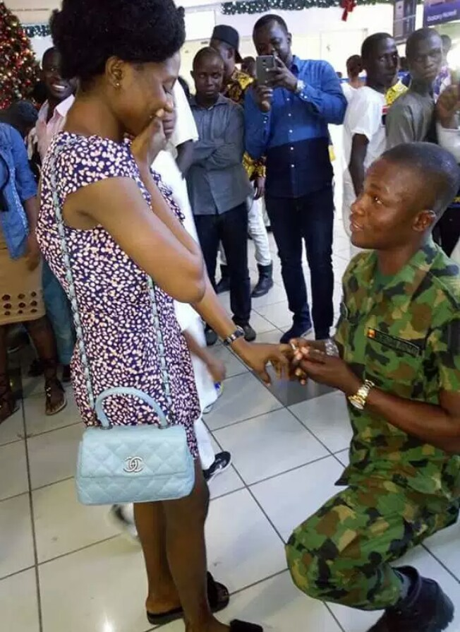 Nigerian Soldier Proposes To His Girlfriend Of 7 Years At Mall In Lagos.