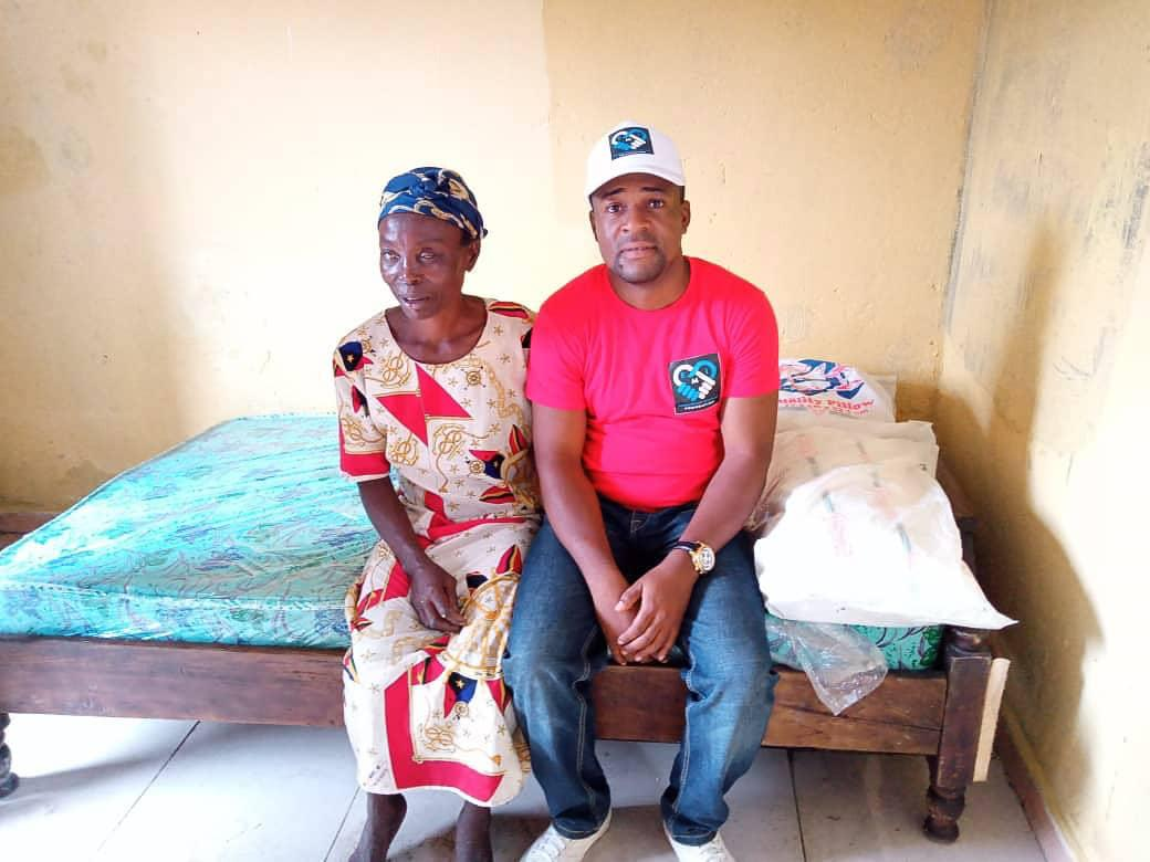 Emeka Ikwechegh Donates New House To Blind Woman In Abia (Photos)